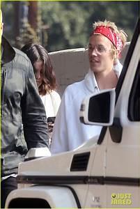 Justin Bieber & Selena Gomez Attend Church Together ...