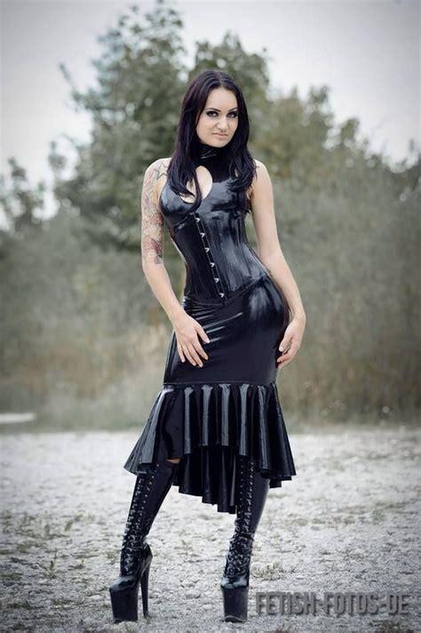 goth girl  schone gotische damen pinterest latex
