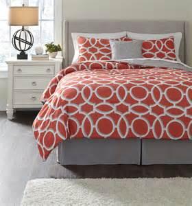 clairette coral queen size bedding set q166005q ashley furniture