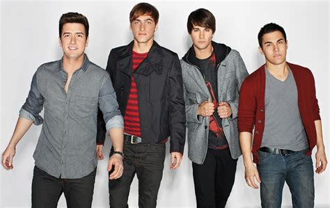 That's right, the nickelodeon band — which is made up of kendall schmidt, carlos penavega, james maslow and logan henderson — just teased their comeback after spending seven years apart, and fans are seriously freaking out about it. Big Time Rush Indonesia: Big Time Rush Season 3 Promotional Photo Shoot