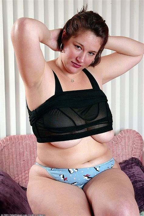 Cute Curvy Bbw Heather Bares Chubby Thirtyish Butt Pichunter