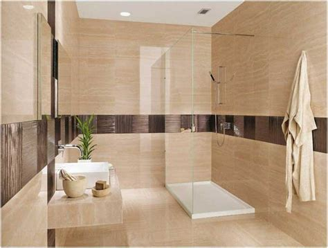 photo carrelage salle bain beige aspect marbre accents marron