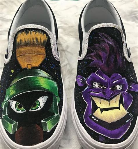 Will find lebron teaming up with the looney tunes in a warner bros. Taking it back to some custom SPACE JAM shoes I did . Love how the colors turned out on these # ...