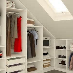 regalsystem schlafzimmer dachschräge aufbewahrung ideen 808 bilder roomido
