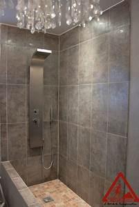 lumiere douche italienne maison design wibliacom With carrelage adhesif salle de bain avec jeux de lumiere a led