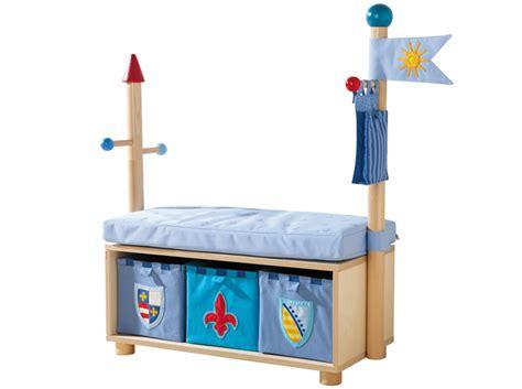 chambre jouet un coffre à jouets pour la chambre de votre enfant