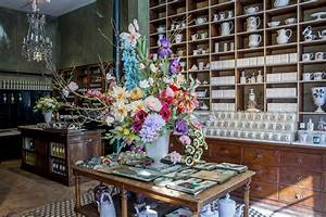 Astier De Villatte : ceramics in the springtime astier de villatte s new paris boutique remodelista sourcebook ~ Eleganceandgraceweddings.com Haus und Dekorationen