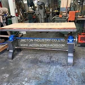 China Hand Crank Screw Jack Lift Adjustable Table Manual