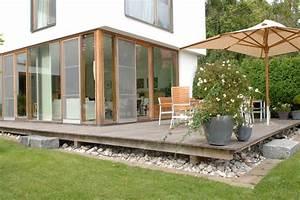 Terrasse Dekorieren Modern : holzterrasse starnberg 1 modern terrasse balkon other metro von die holzterrasse ~ Fotosdekora.club Haus und Dekorationen
