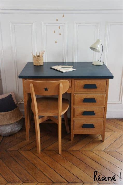 chaise de bureau antique 17 meilleures idées à propos de relooking de commode sur