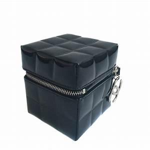Boite A Bijoux Cuir : boite bijoux chanel cuir verni noir valois vintage paris ~ Teatrodelosmanantiales.com Idées de Décoration