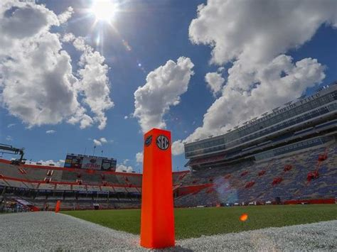Florida Gators 'pause' football activities after positive ...