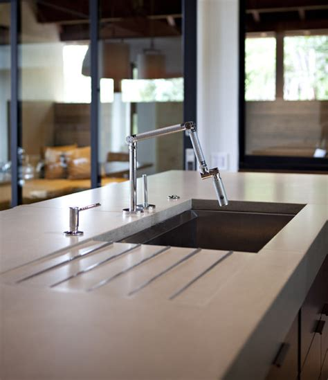 Undermount Kitchen Sinks With Drainboards by Who Makes This Sink With Integrated Drainboard It