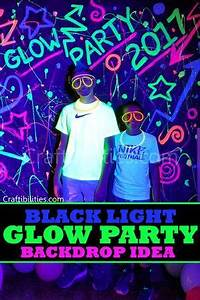 80 s backdrop birthday black light cool idea DIY