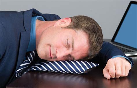 powertie inflatable necktie nap pillow  green head