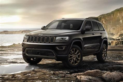 jeep cherokee green 2017 2017 jeep grand cherokee gets new shifter electric