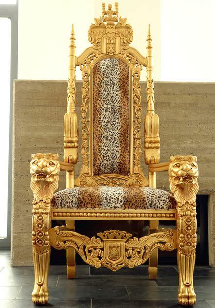 trone royal dore  cm velours imitation fourrure de