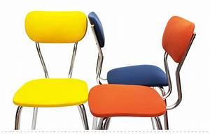 Chaises cuisine couleur chaise classic chaise de cuisine for Deco cuisine avec chaise en couleur