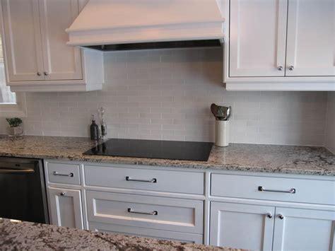 Small White Subway Tile Backsplash Home Design Ideas