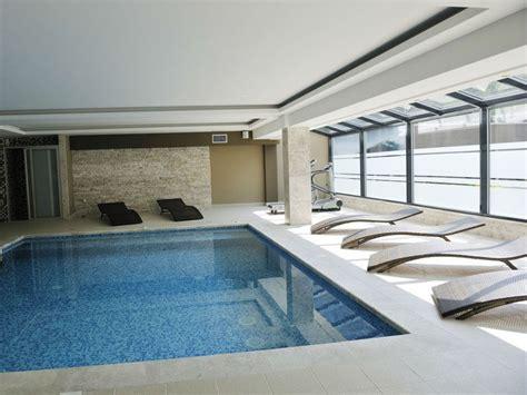 construire une piscine interieure piscine int 233 rieure aquarev piscines vous aide 224 construire et 224 int 233 grer une piscine 224 l