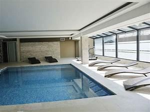 piscine interieure aquarev39piscines vous aide a construire With construire une piscine interieure