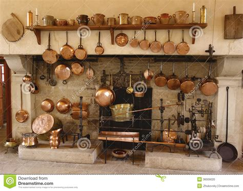 le cucine pi禮 the ancient kitchen at chateau de pommard winery stock