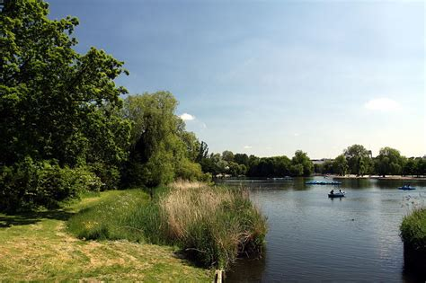 Pedal Boat Hire London by London Boat Hire 12 Spots To Rent Pedalos And Rowing