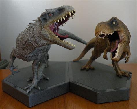 tyrannosaurus  indominus jurassic world limited edition gift set dinosaur toy blog