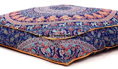 cuscini giganti cuscini da pavimento colorati decorati grandi o piccoli