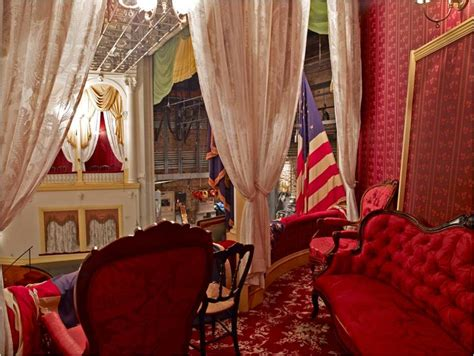 exploring  presidential box fords theatre