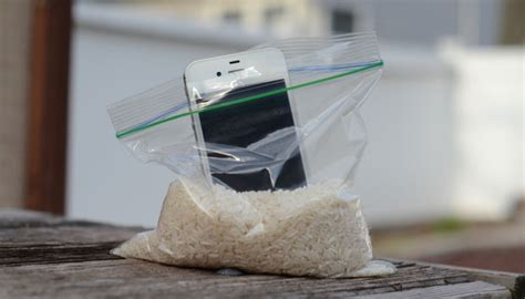 how do you leave your iphone in rice kreatif kouki 187 what to do if you drop your iphone in water