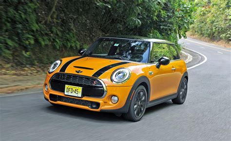 2014 Mini Cooper Hardtop Review By Car And Driver