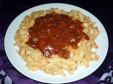 cuisiner des spaetzle recette de tagliatelles sauce tomate chignons
