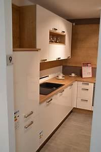 Küche Eiche Weiß : nobilia musterk che helle k che in wei ultra hochglanz und eiche provence ausstellungsk che in ~ Orissabook.com Haus und Dekorationen