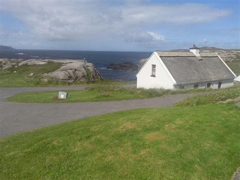 donegal cottage cottages in donegal donegal thatched cottages