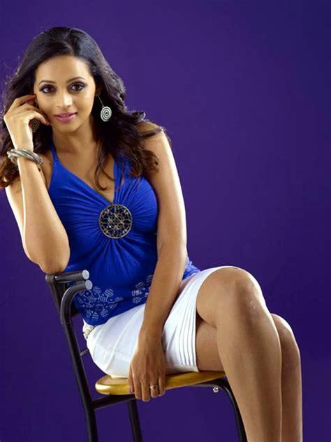 actress bhavana hot  bikini images latest pics