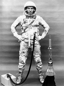 Walter M. Schirra :: NASA Astronauts :: Notable Graduates ...