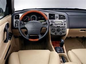Nissan Primera Wagon  P11  1 6 16v  90 Hp