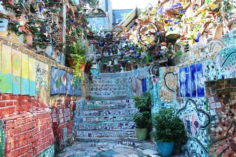 philadelphia s magic gardens 5 reasons to take a look at philadelphia s magic gardens
