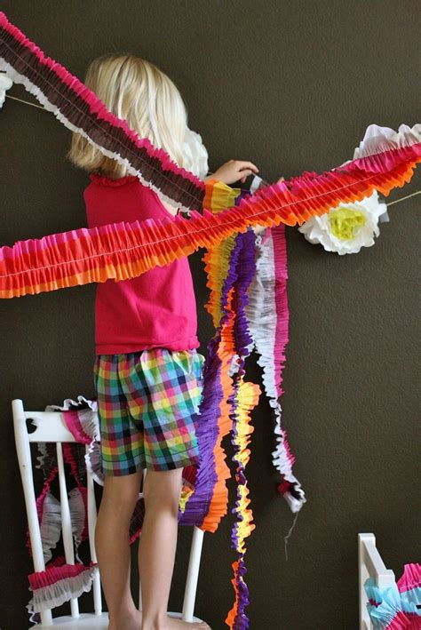tutorial ruffled streamers  everyday  images
