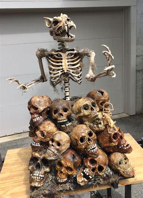 haunted borough skull pile  animated circular