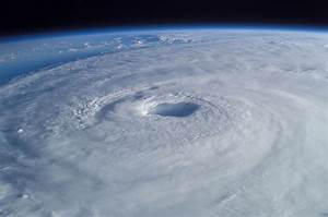 File:Hurricane Isabel from ISS.jpg - Wikipedia