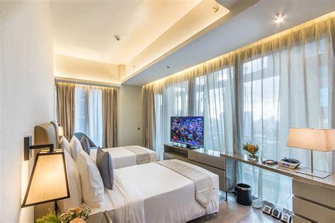 bedroom executive suite luxury hotel  manila im