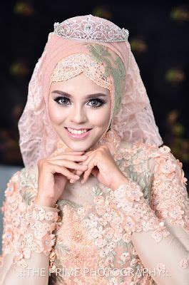 inspirasi model hijab pengantin terbaru  gambar pengantin hijab gaun