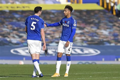 Lumbering Yerry Mina enters race against time at Everton ...