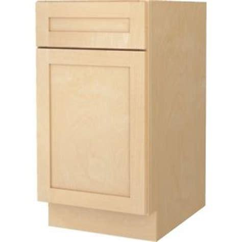 bathroom vanity base cabinet natural maple shaker 18 quot wide