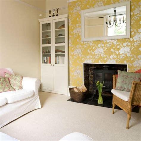 living rooms  beautiful floral wallpaper rilane