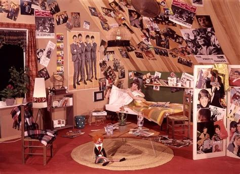 Groovy Interiors 1965 And 1974 Home Décor: 1000+ Ideas About 60s Bedroom On Pinterest