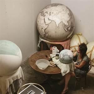 Globe Terrestre Bois : fabrication globe terrestre artisanale 12 la boite verte ~ Teatrodelosmanantiales.com Idées de Décoration