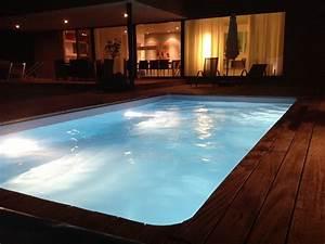 Kosten Swimmingpool Im Garten : schwimmbecken ~ Markanthonyermac.com Haus und Dekorationen